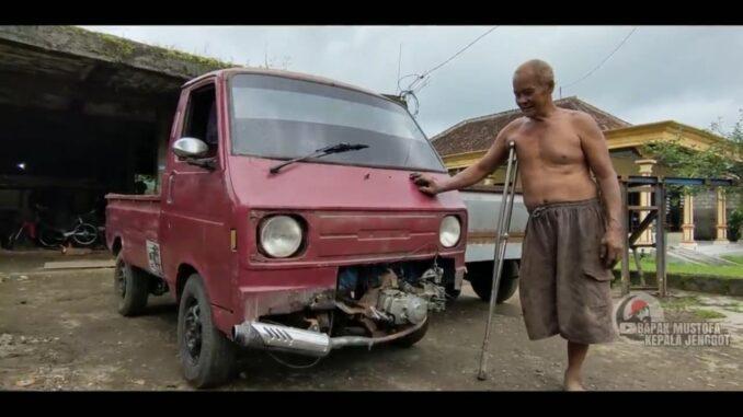 Photo : Screenshot video youtube bapak mustofa kepala jenggot